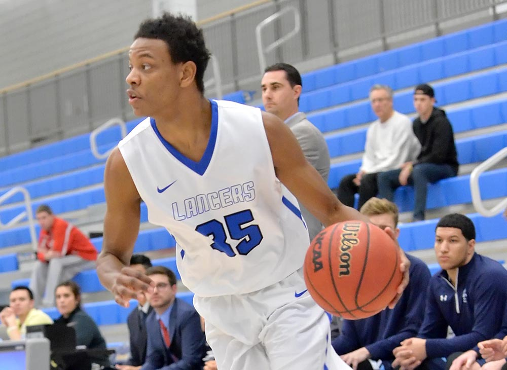 Men's Basketball Falls 90-65 Against Bowdoin