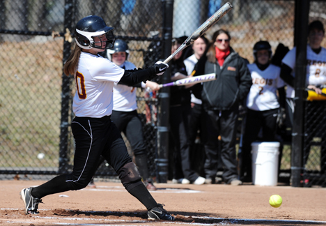 KARA DONOVAN HITS SOLO HOME RUN VERSUS UNE