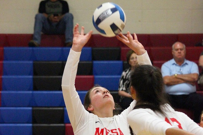 Three Set Sweep vs Highland CC Helps #10 Mesa Finish Week Strong