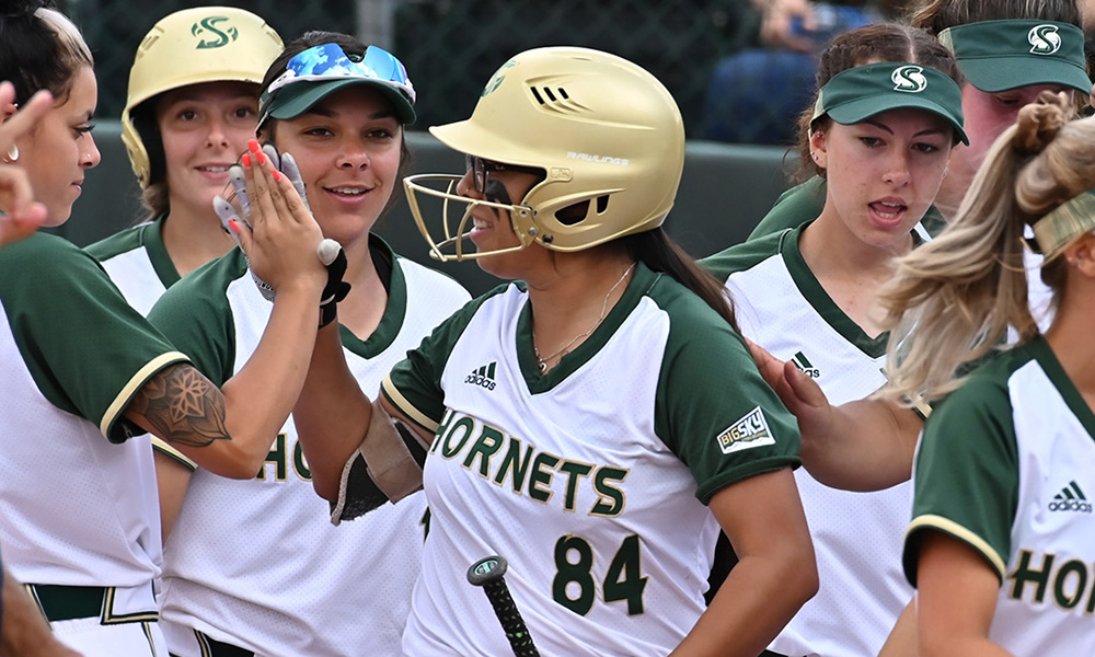 PITCHING AND TIMELY HITTING LEAD SOFTBALL TO 6-1 WIN OVER UC DAVIS