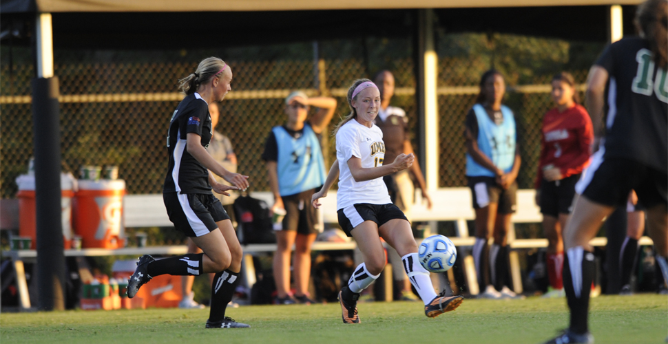 Women's Soccer Opens Battle of Baltimore Against Mount St. Mary's