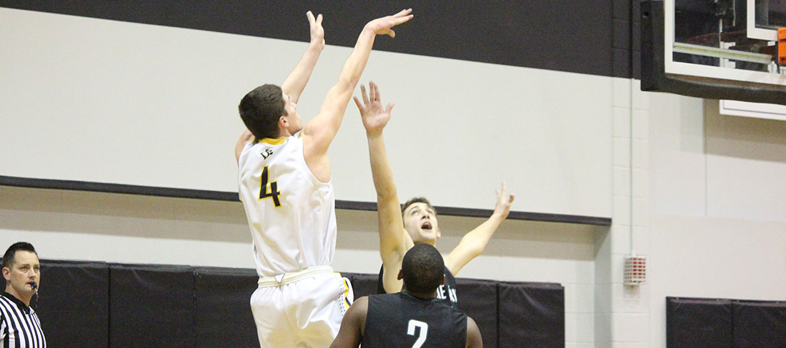 Hot Shooting Lifts Men's Basketball To 82-51 Win Over Trevecca