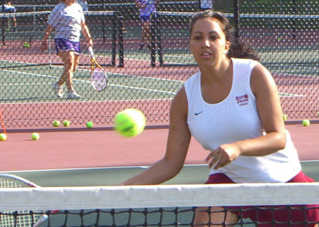 WOMEN'S TENNIS HAS TOUGH OPENING DAY VERSUS HAWKS