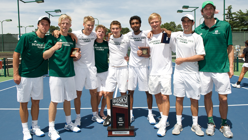 MEN'S TENNIS FALLS IN FIRST ROUND OF THE NCAA TOURNAMENT TO #4 USC