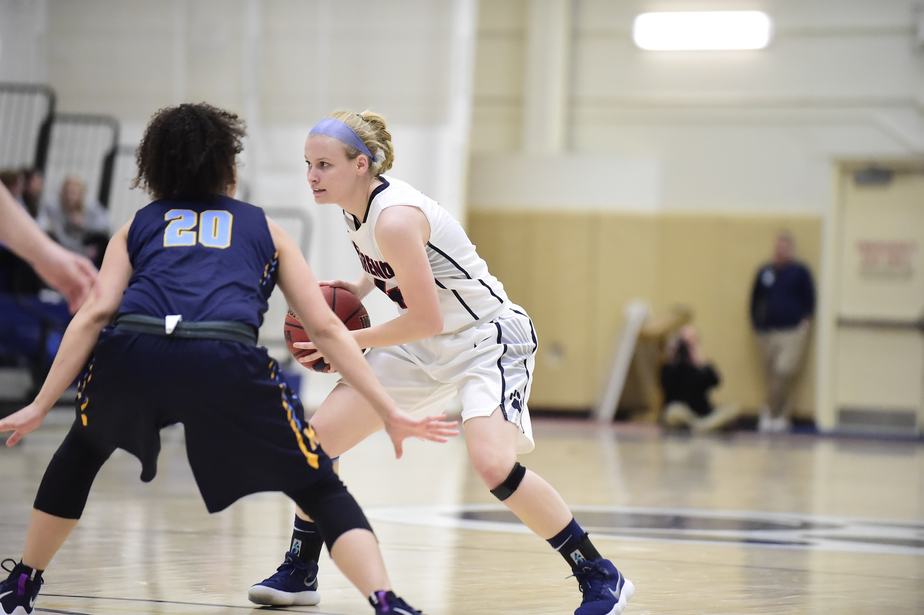 Women's Hoops Continues Hot Streak; Lions Down Altoona