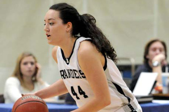 Women's hoops fends off Roger Williams, 62-53