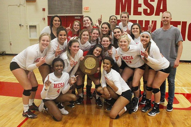 The Mesa Thunderbirds volleyball team captured the Region I/ACCAC DII Championship Saturday night in straight sets.
