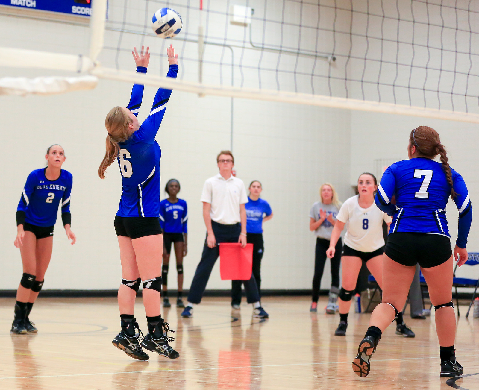 Blue Knights Volleyball team takes down Anoka in 3 straight sets