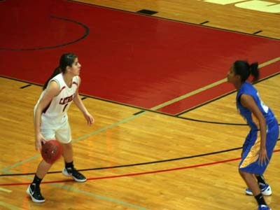 Cardinals run win streak to six after downing Lady Shock