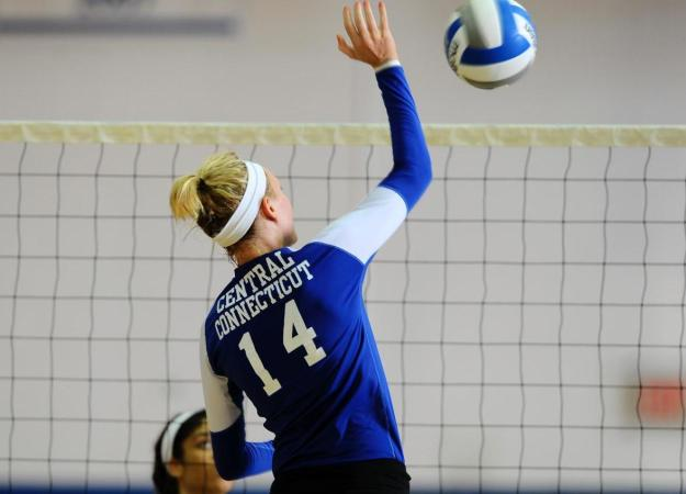 Volleyball Takes Down SFPA in Five Sets