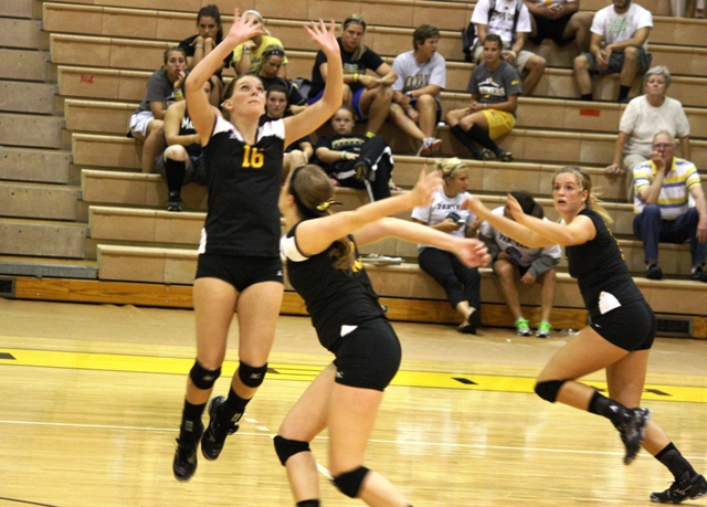 Volleyball Notches Sweep Over Urbana in Home Opener
