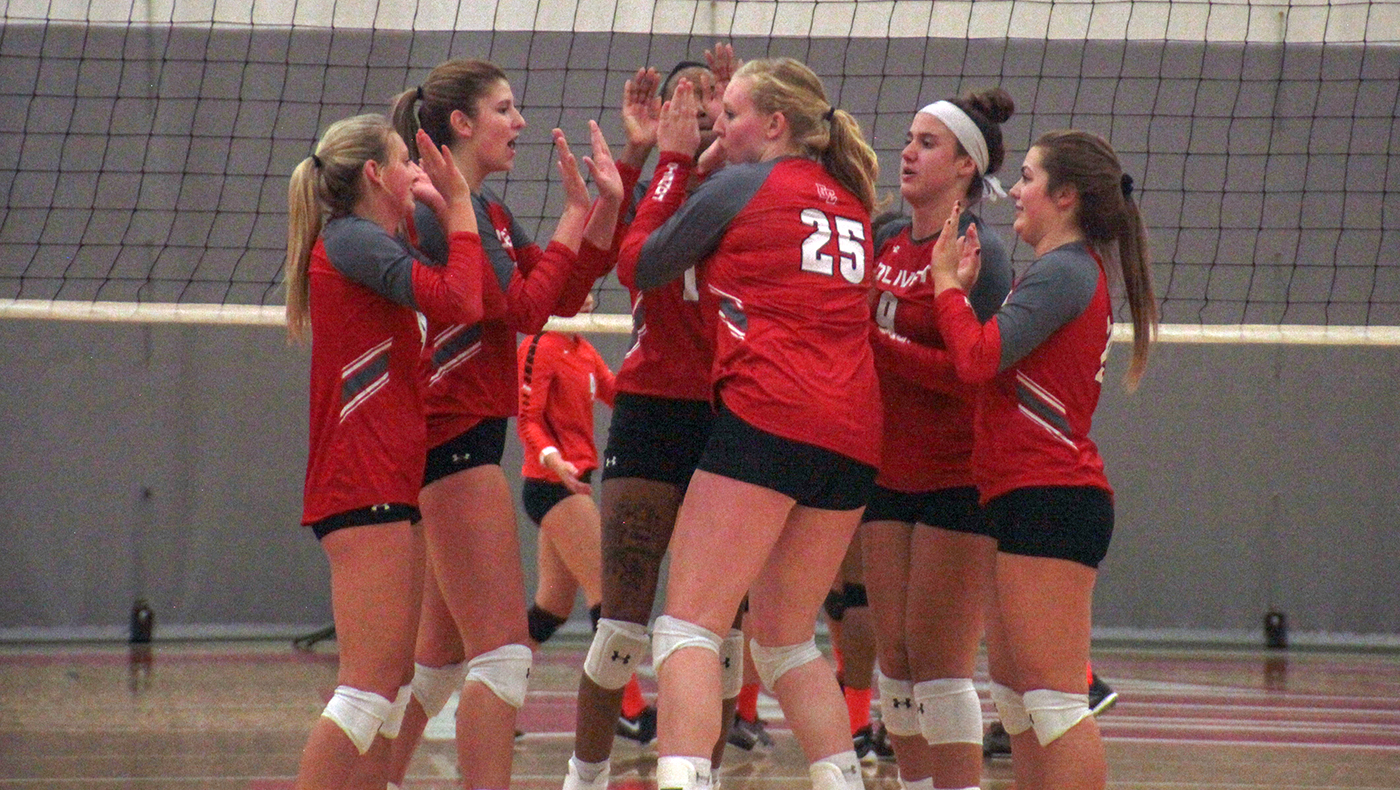 Women's volleyball team defeats Wooster and Allegheny at MIAA-NCAC Crossover