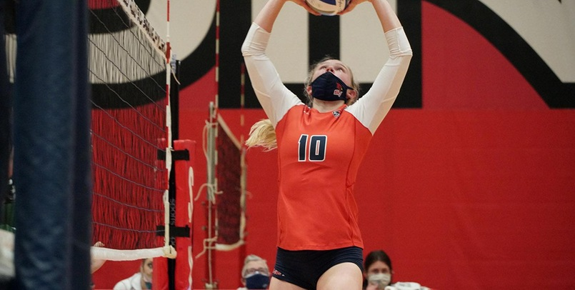 Cardinals fall in GLIAC opening round in five sets