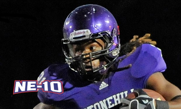 Stonehill's Neville Signs with Montreal in the CFL