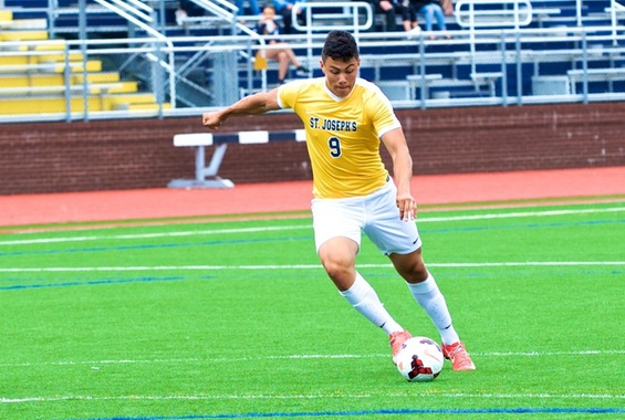 Ruiz Records Double in Men's Soccer's Loss to Western Conn.