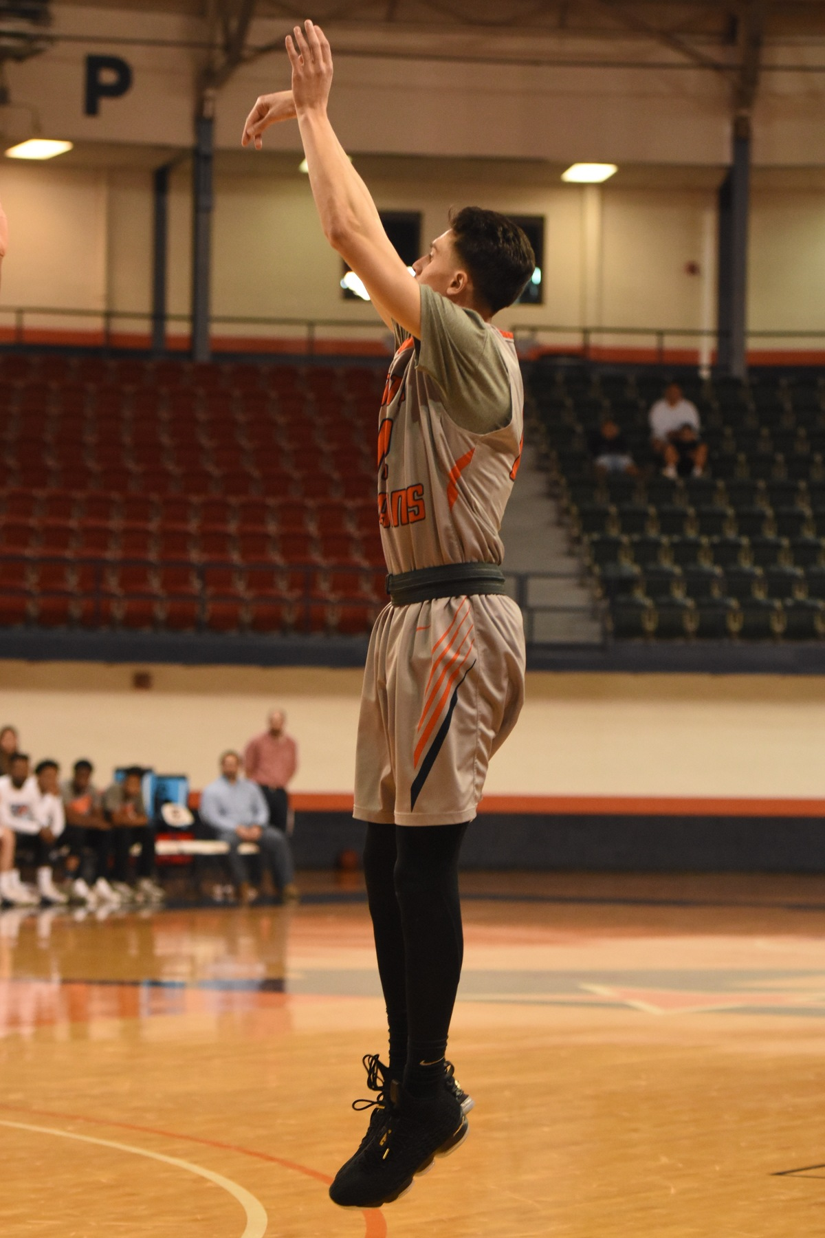 Perez sparks late surge as Texans oust Midland 75-64 Thursday night