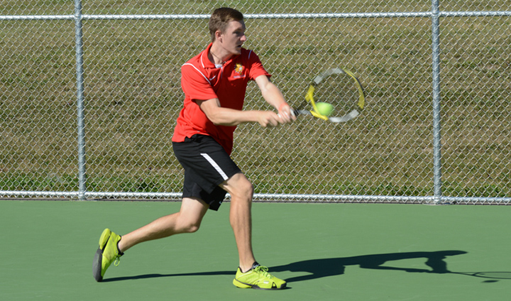 Men's Tennis Takes #22 Southern Indiana To The Wire In Narrow Road Setback