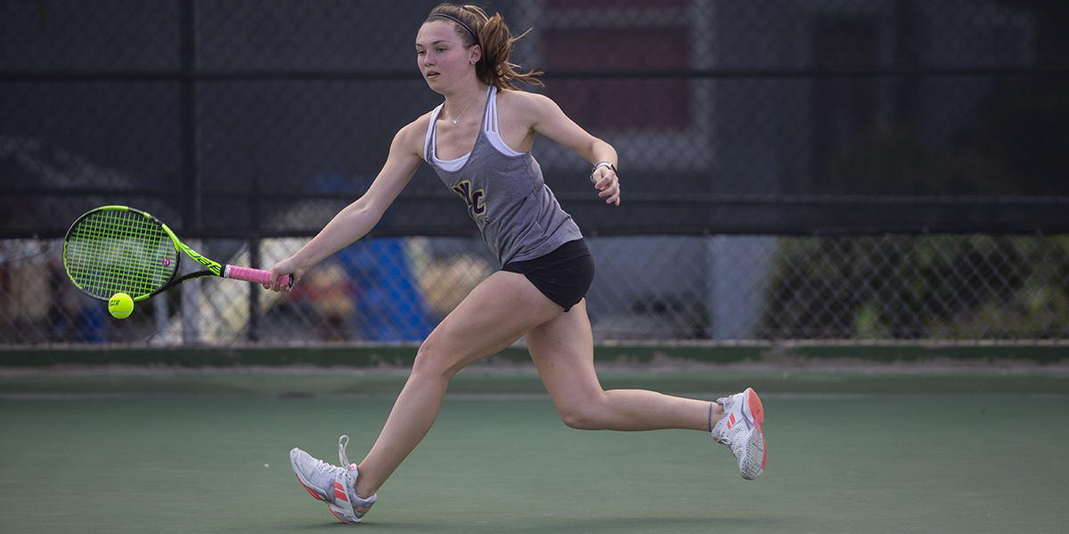 Women's Tennis takes out Hardin-Simmons 6-3