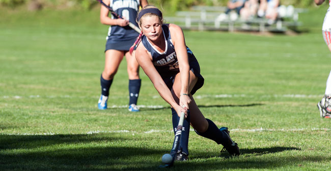 Greyounds Run Past Bulldogs in Field Hockey Opening Win