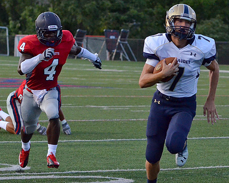 Gallaudet wins season opener for first time since 2007, Bonheyo brothers score four touchdowns