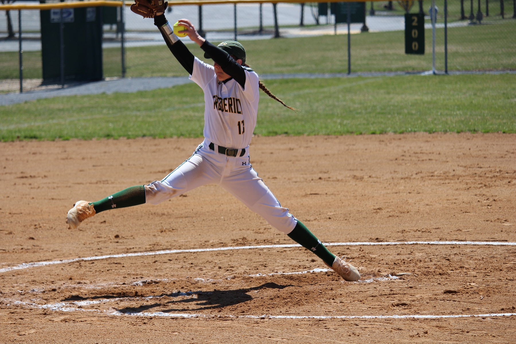 Softball Claims Exciting Doubleheader Split