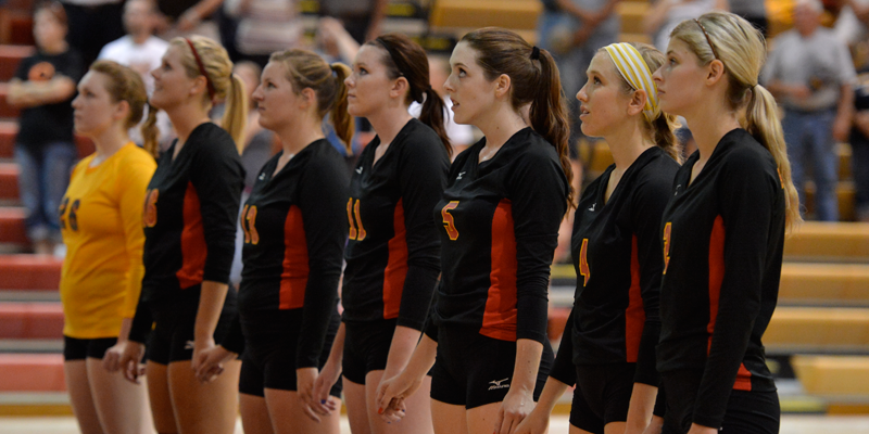 Volleyball drops five-set match after hot start