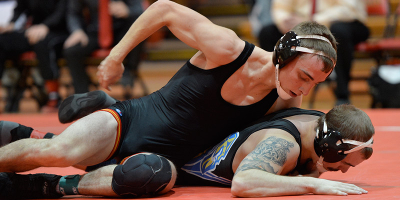 Kiehne, Vlieger lead Storm wrestlers at Cornell