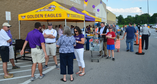 Kiss 98.5 FM fuels Tech fans at Smith County Purple Pride Caravan