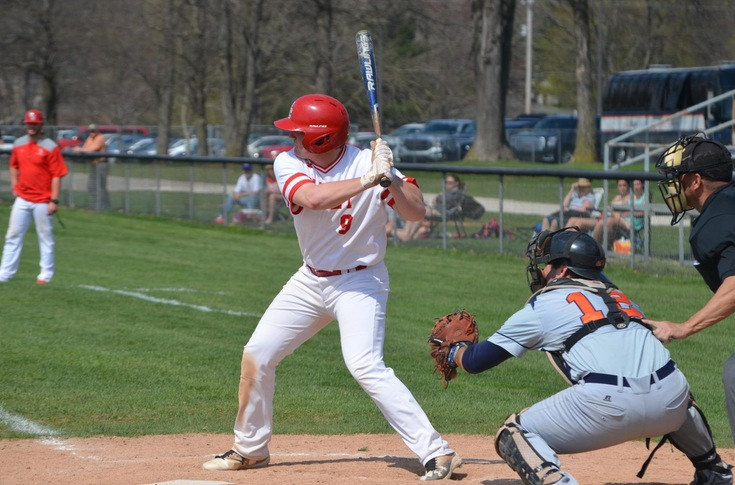 Baseball team swept by Hope, 12-7 and 18-2