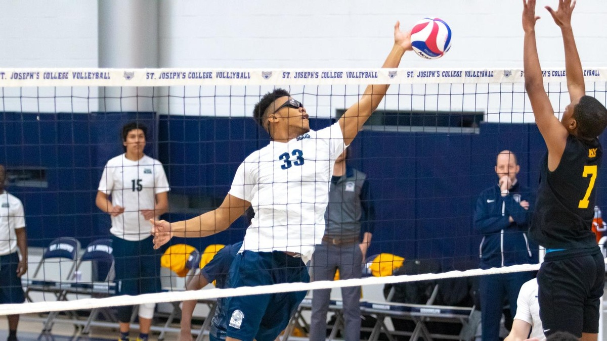 Medgar Evers Downs Men's Volleyball in Straight Sets