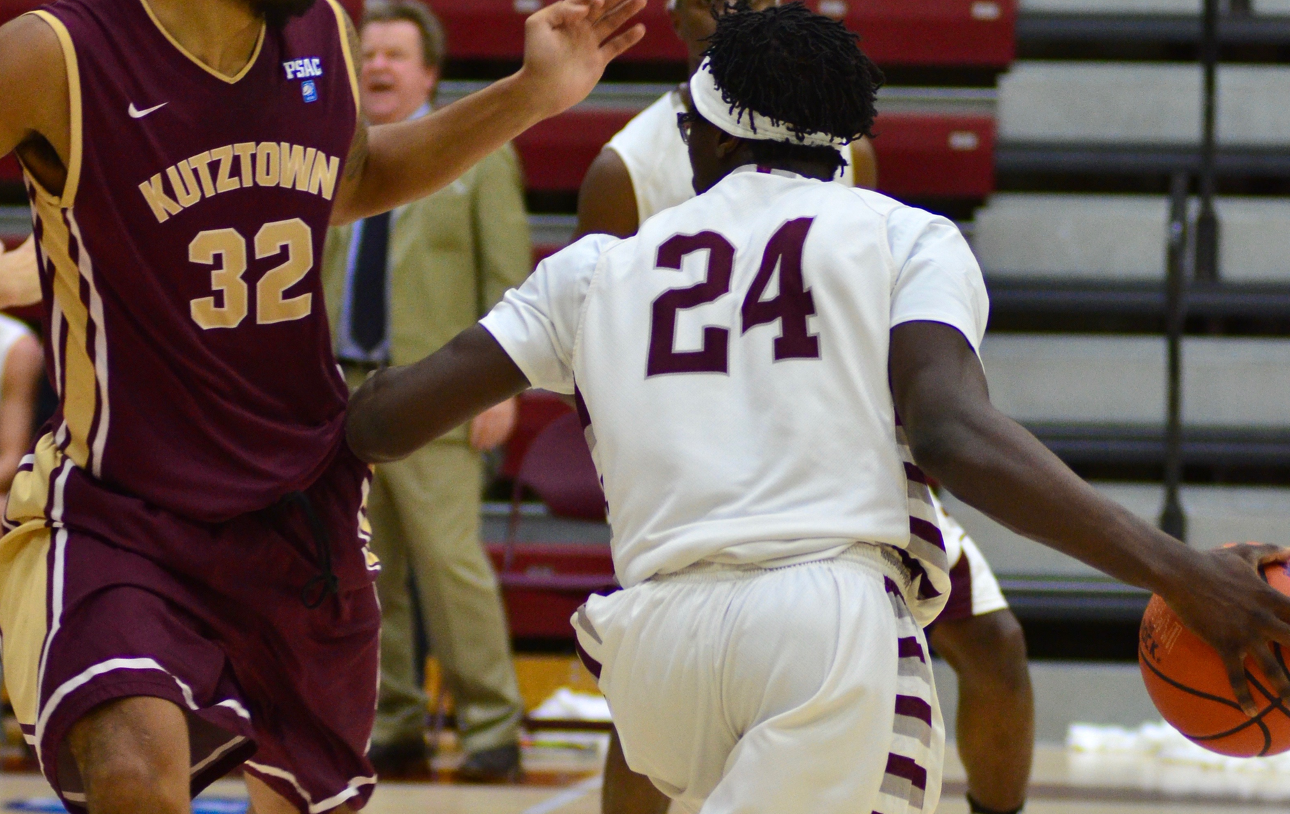 Men's Basketball Keeps It Close Vs. Southern Connecticut