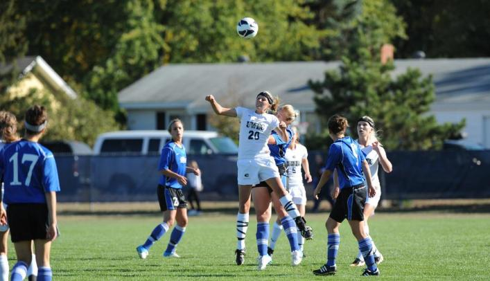Richter Gives Blugolds 1-0 Victory Over Pioneers