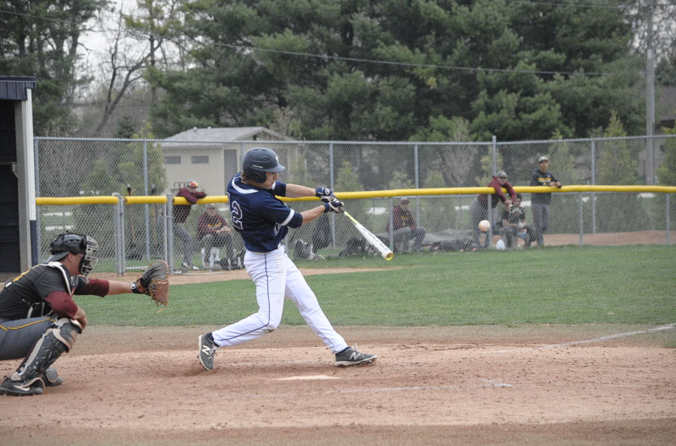 Calen Schwabe base hit
