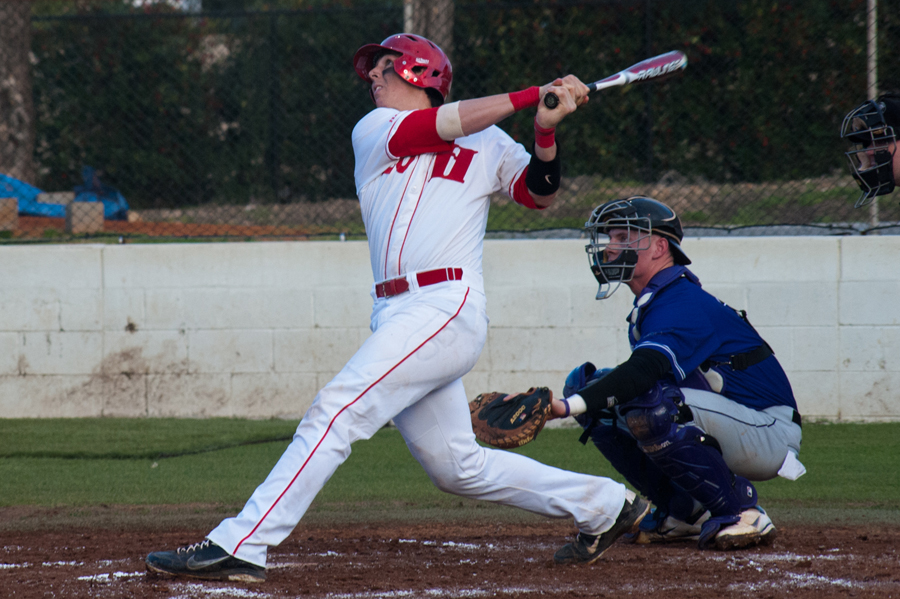 Odom's two home runs lead Hawks in win over Maryville