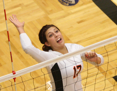 Senior Ellen Grenert named All-Great Lakes Region, Honorable Mention All-America in Volleyball for 2012