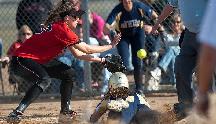 Softball Falls to 12th-Ranked Central in Doubleheader
