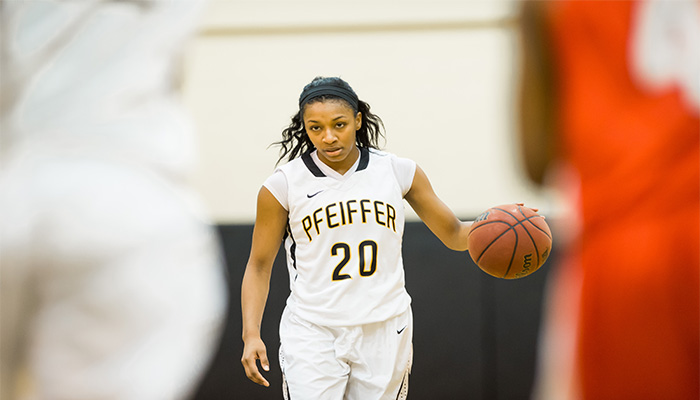 Women's Basketball Claims First Win of 2014 Season