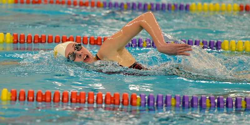 Swimmers and divers compete at Grinnell Invitational