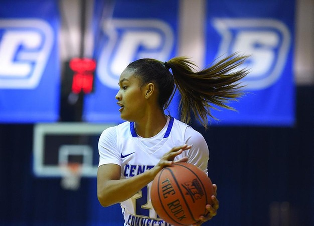 Women's Basketball Puts Away Sacred Heart, 67-50, to Take Top Spot in the NEC