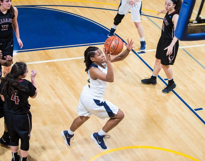 Women's Basketball Suffers Loss at USMMA