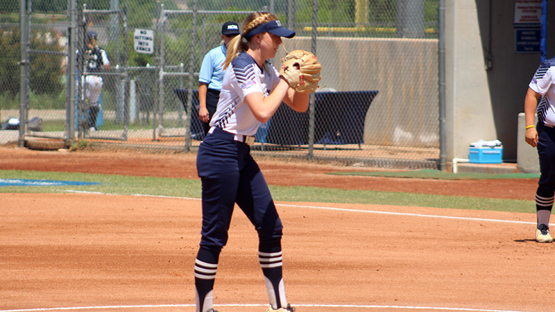 Softball Earns Two Wins in Nationally-Ranked Showdown