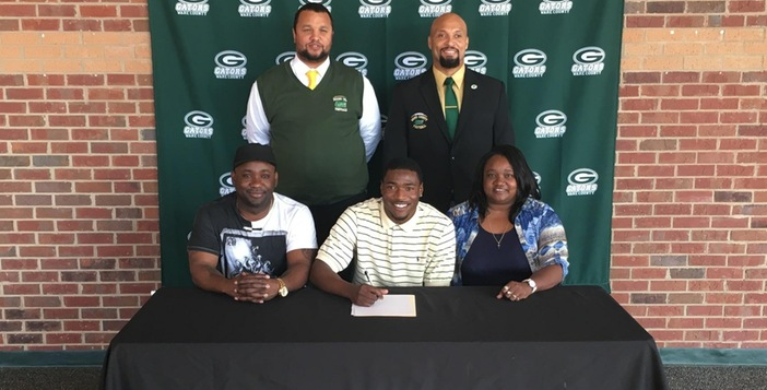Ware's Ronnie Adams Signs With Independence Junior College