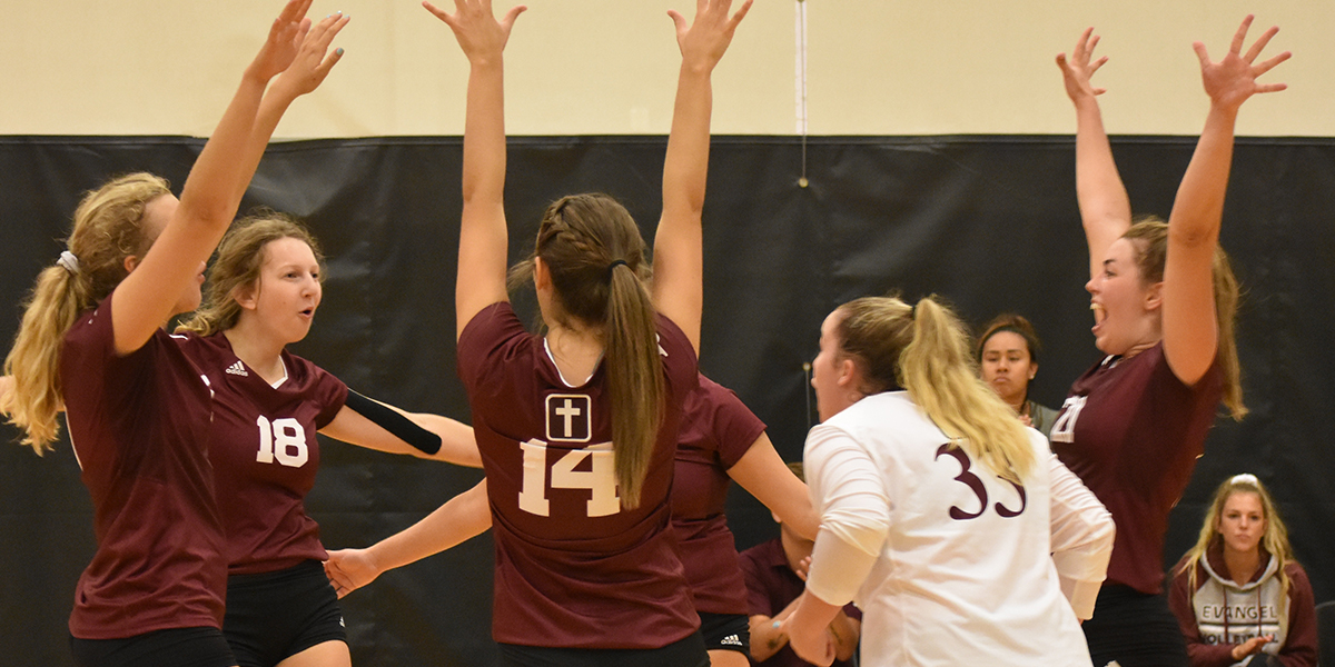 Evangel Volleyball Stays Perfect in Day One at MNU Classic