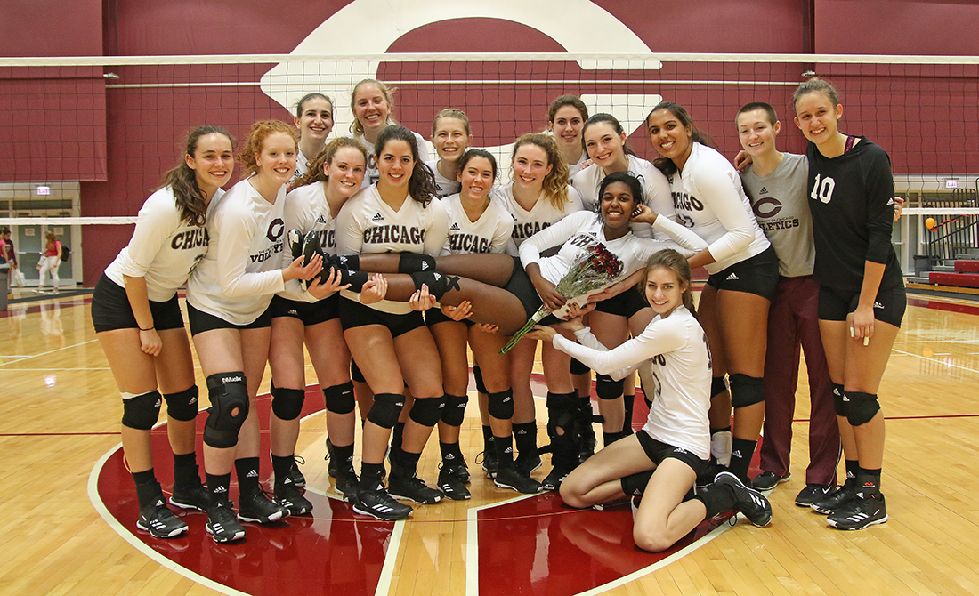 Maroon Volleyball Celebrates Senior Night with 3-0 Sweep of Wheaton