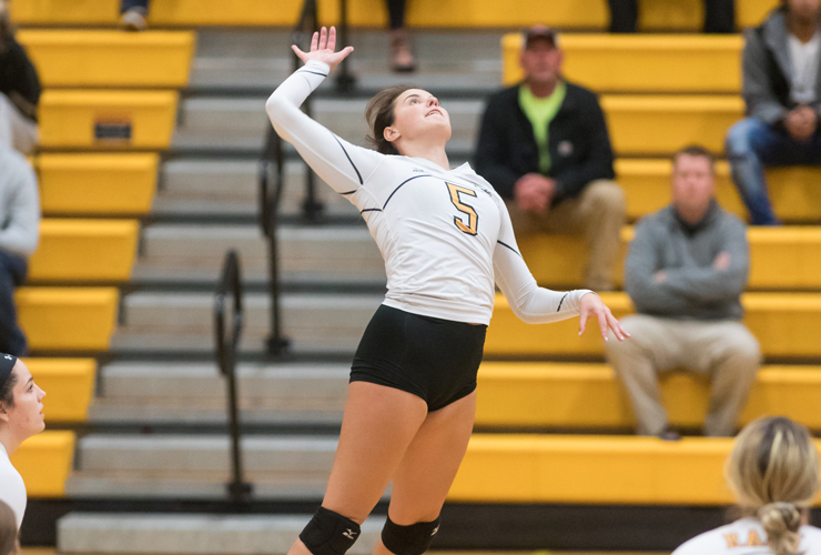 Volleyball Drops Five Set Thriller to Western New England