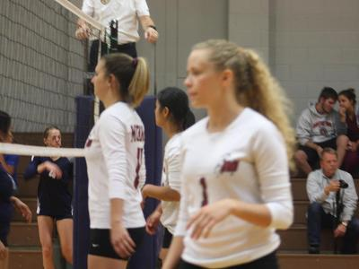 Women's Volleyball: Over Falcons in 3