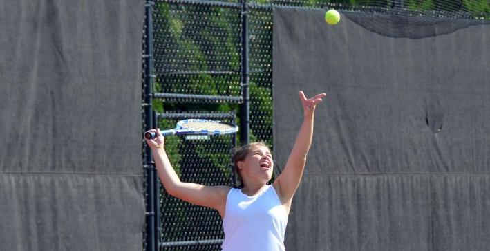 Women's Tennis splits a pair of NACC matches