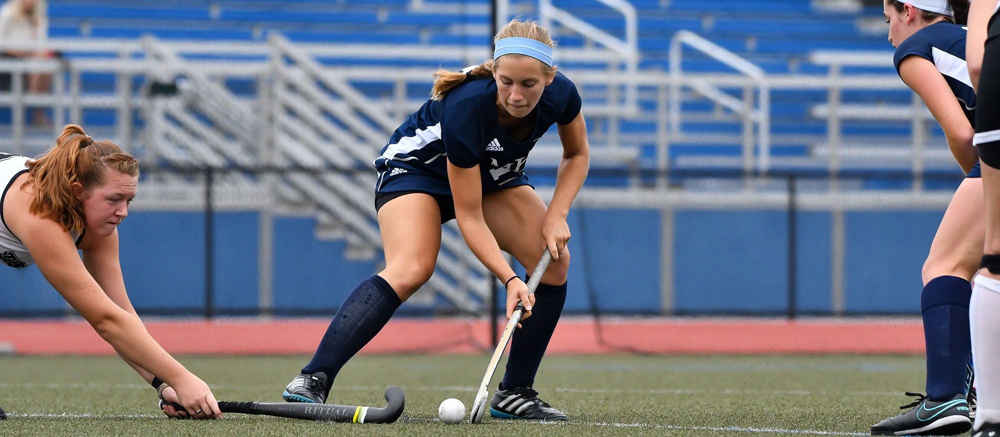 Action photo of Lyons field hockey player Kristina Ramsden