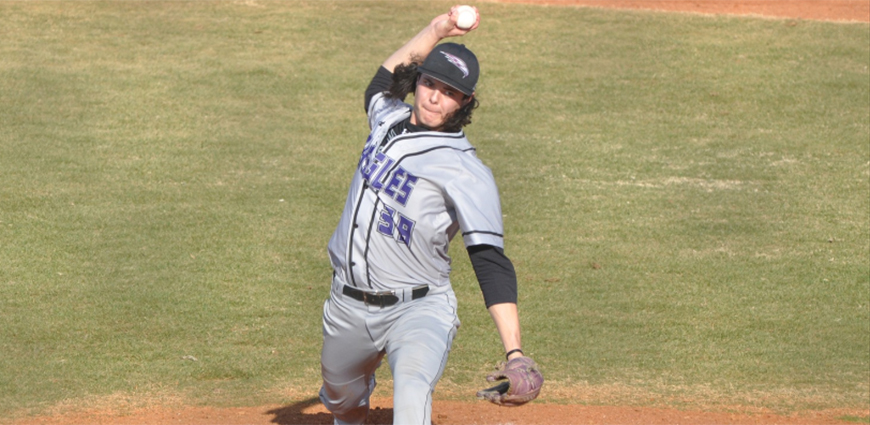 Baseball Team Splits Twinbill With ETBU