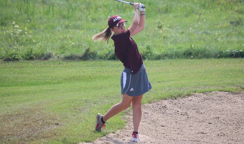 Women's Golf Places Fourth, Gains Ground on MIAA Leaders